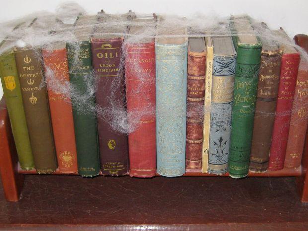 scawy books
